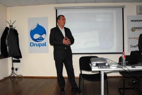 Методи Дреновски на Drupal срещата през април 2010, Снимка: Георги Атанасов