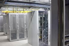 Разположение на rack-ове в дейта центъра 3DC