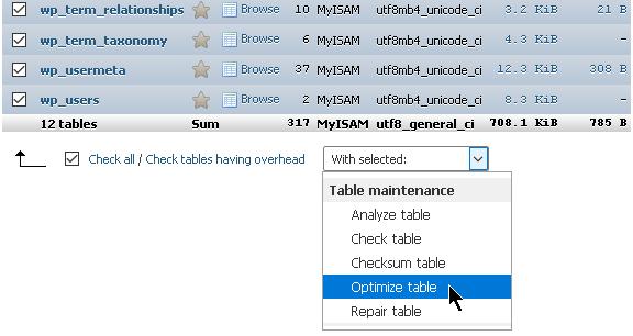 Опцията за оптимизиране на базата в phpMyAdmin.