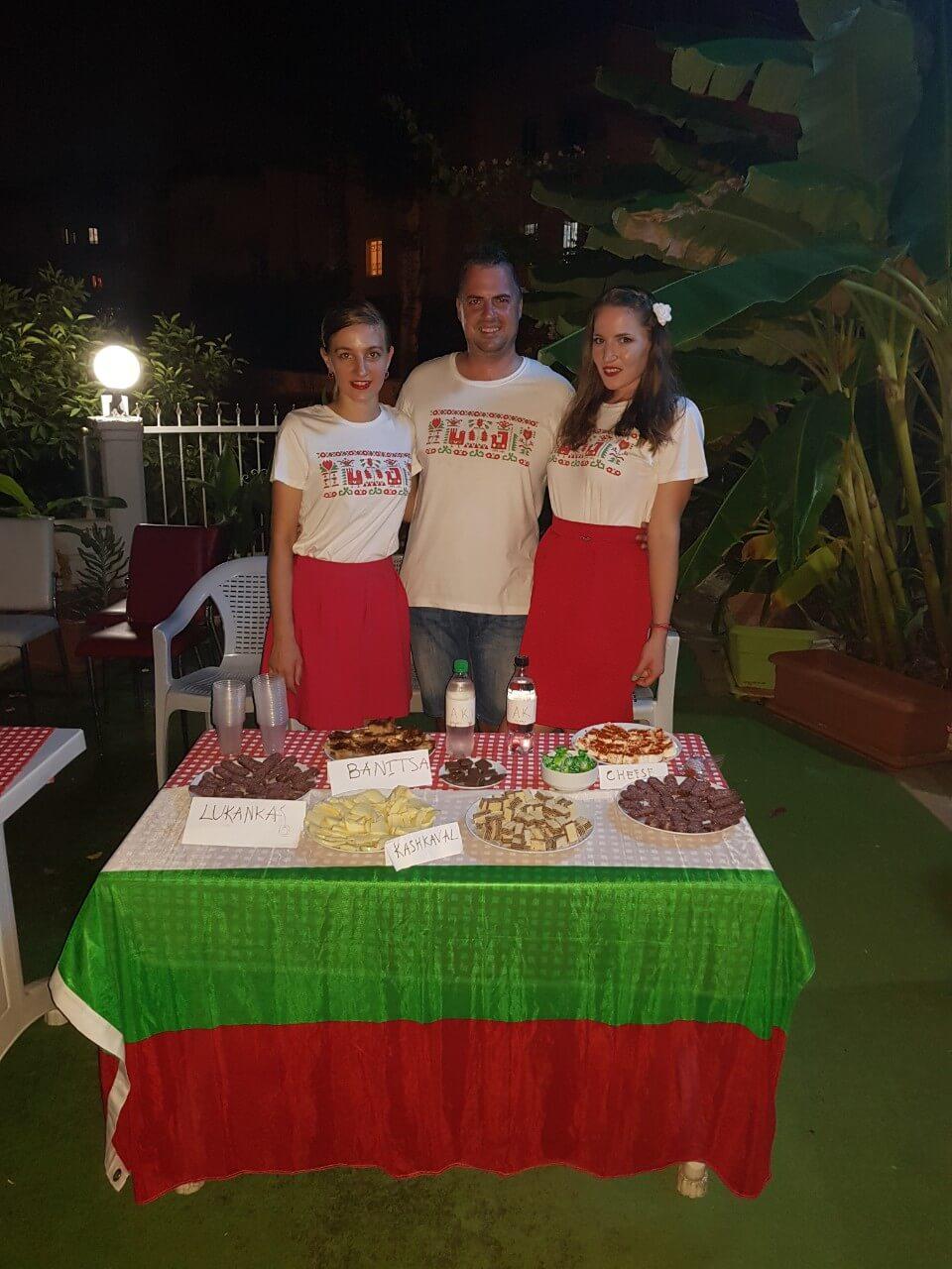 СуперХостинг.БГ тениски с шевици извън пределите на България